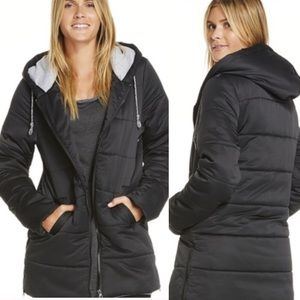 Fabletics long puffer Down jacket in black